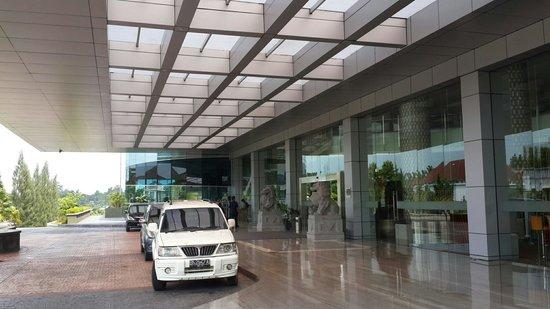 Novotel Bangka Hotel & Convention Center: Lobby