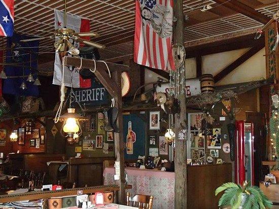 Amerikanische deko bild von steakhaus santa fe l bbenau - Amerikanische deko ...