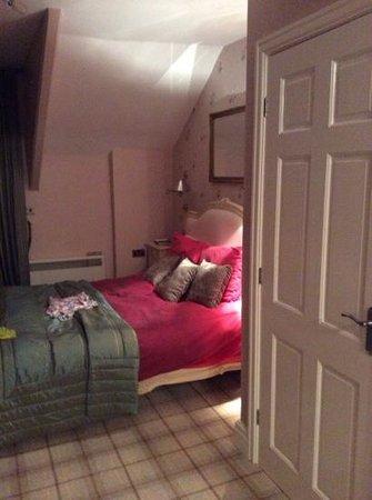 Bowness Bay Suites: Bedroom, Cat Bels Suite