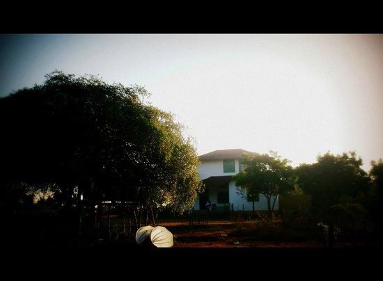 Back of Beyond - Kahandamodara: our cottaege