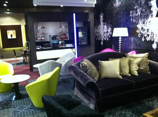 Hotel Parlament: Newly designed lounge bar