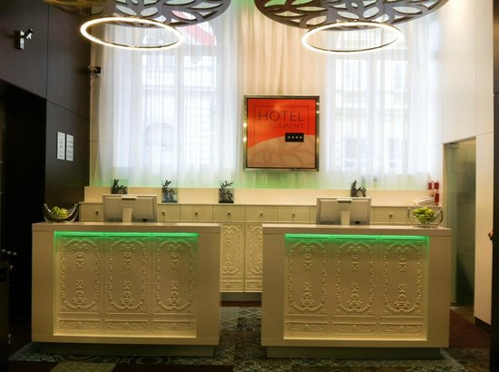 Hotel Parlament: Newly designed reception