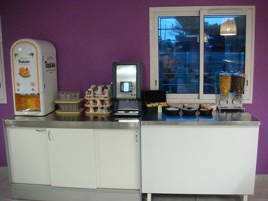 Kyriad Perpignan Sud : Breakfast room 2