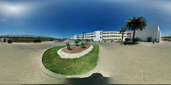 San Agustin Paracas: Entrada al Hotel.