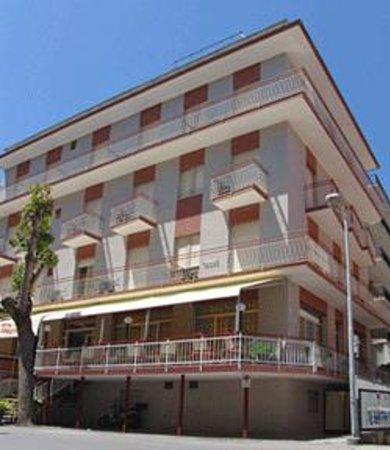 Lasciate perdere recensioni su hotel saratoga - Hotel rivazzurra con piscina ...