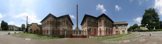 Capriate San Gervasio, Italy: Crespi d'Adda: fabbrica - company