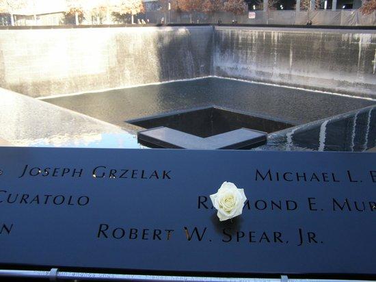 National September 11 Memorial und Museum: inscriptions