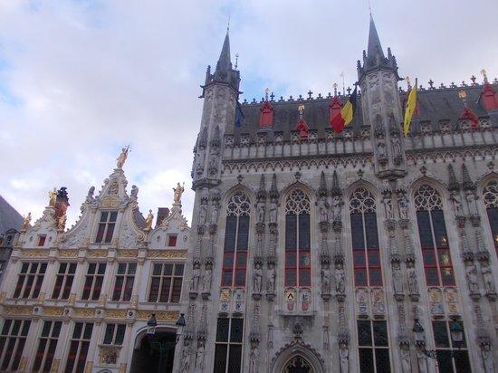 Burg Square: burg - municipio 2