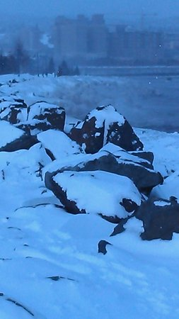 The Inn On Lake Superior: Chilly beauty