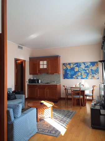 Residenza delle Citta: room is large