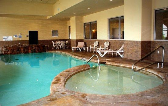 Comfort Suites Frisco: Indoor pool with spa