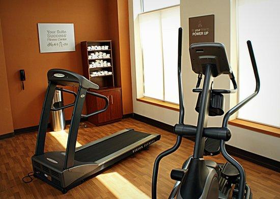 Comfort Suites Frisco: Exercise room with cardio equipment