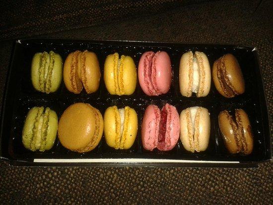 Paul Patisserie : Paul's macaroons