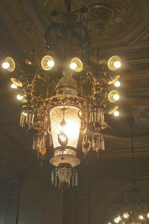 Hotel Metropole: Lamp lobby