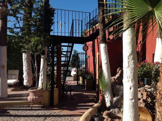 Posada de las Flores La Paz: L'esterno dell'Hotel
