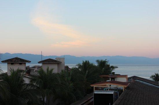 Villa del Palmar Beach Resort & Spa: Toward Town