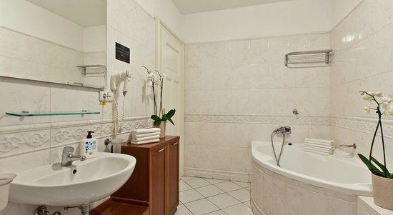 Lovely Prague Apartments: Bathroom