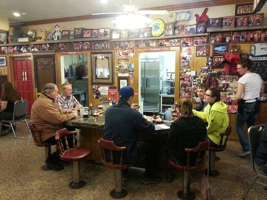 Pancake House : Community table