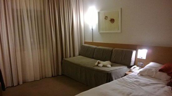Novotel Brugge Centrum : Large sofa bed