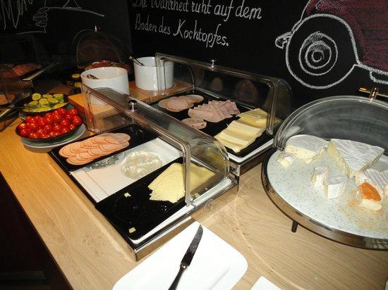 pentahotel Vienna: Teil vom Frühstücksbuffet