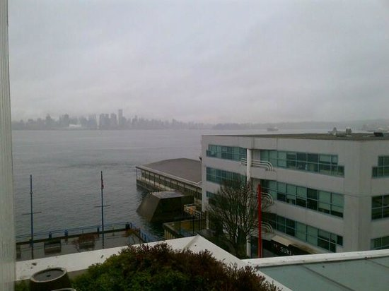 Lonsdale Quay Hotel : View from room
