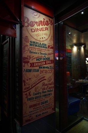 Bernie's Diner: L'entrée