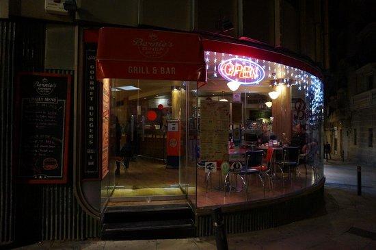 Bernie's Diner: La façade