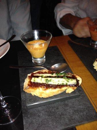 Entretapas: Delicioso! Gaspacho e Montadito