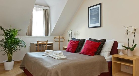 Lovely Prague Apartments: Bedroom