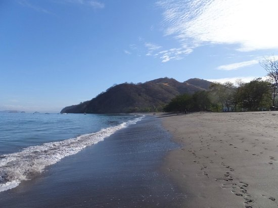 Hotel Riu Palace Costa Rica: walking along the beach