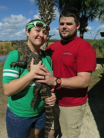 Wooten's Everglades Airboat Tour: Holding a baby gator