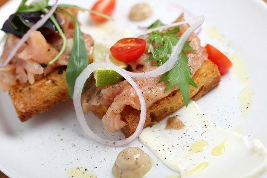 Restaurant Mika: Vibrant cuisine
