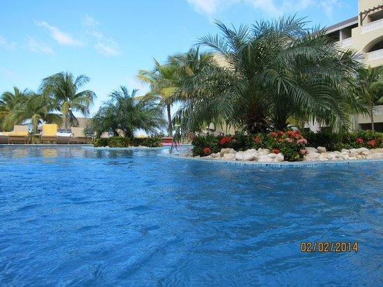 Iberostar Grand Hotel Rose Hall: back pool