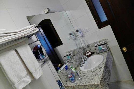 La Casona Hotel Boutique: Our bathroom
