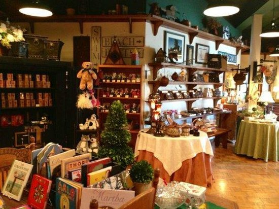Boehm's Chocolates: Inside Boehm's