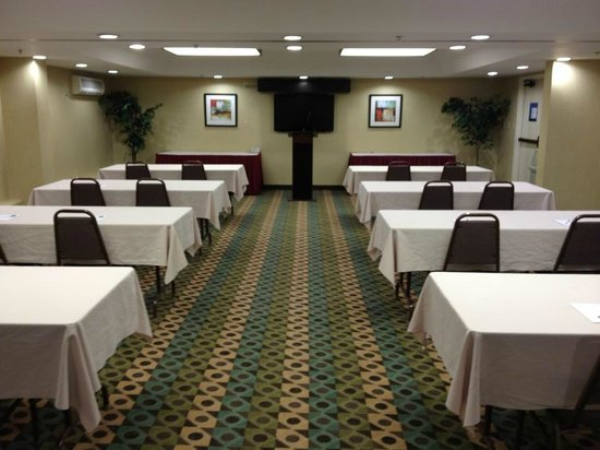 Hampton Inn Gainesville: Meeting Room Set Up
