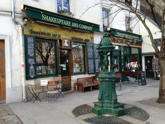 Librairie Shakespeare and Company : An Institution on the Left Bank
