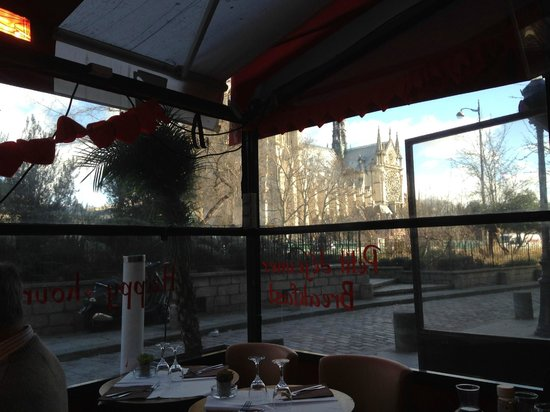 La Bucherie : A View of Notre Dame from our Table