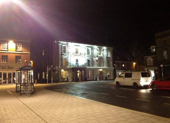Kings Head Hotel: The Square