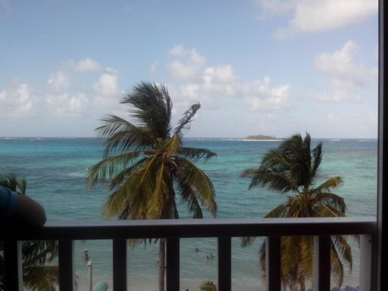 Hotel Bahia Sardina: Vista desde la habitación en el cuarto piso