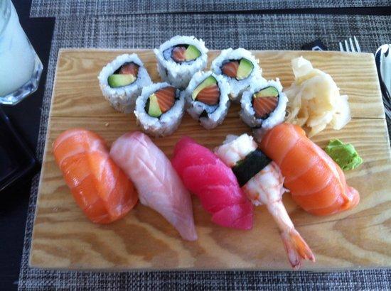 Ginger Asian Kitchen and Bar: Sushi mix