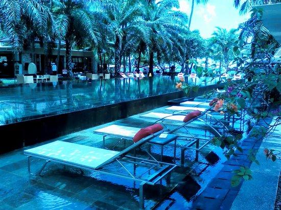 Segara Village Hotel: one of 3 pools