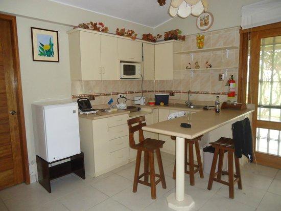 Hotel Qia Ecolodge: KITCHENET DEL BUNGALOW