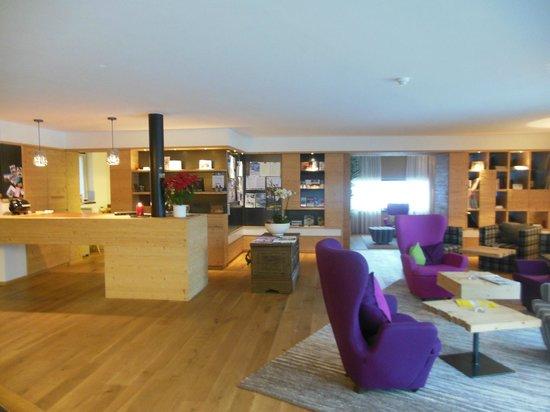 Hotel Dolomitenblick: Lobby