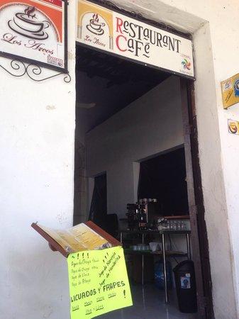 Cafe Restaurante Los Arcos : Entrance