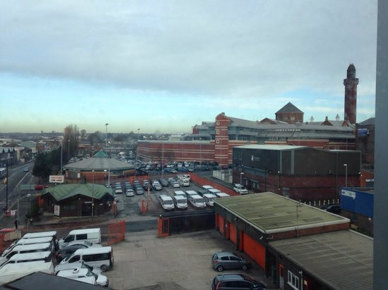 Travelodge Manchester Central Arena : View of the prison from room 303