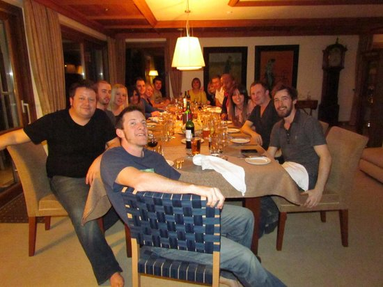 Chalet Panorama : Our crew at dinnertime