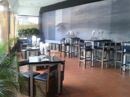 Donosti Pintxos Bar: Terraza