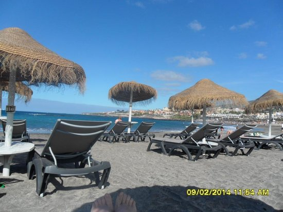 HOVIMA Costa Adeje: beach across the road