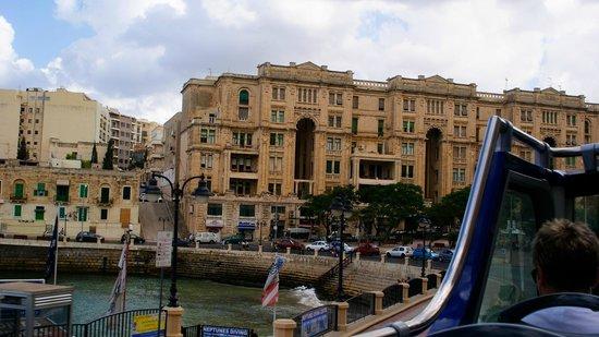 Spinola Bay: Beatifull buildings